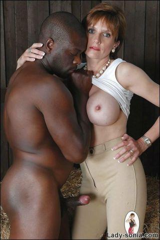 naked Lady Sonia mature british