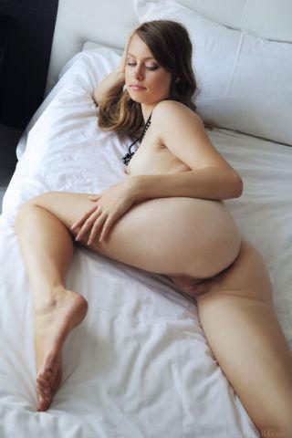sexy Milana K natural pussy