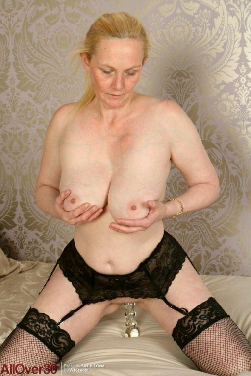 Suzie Stone bigboobs milf blonde in stockings toyi
