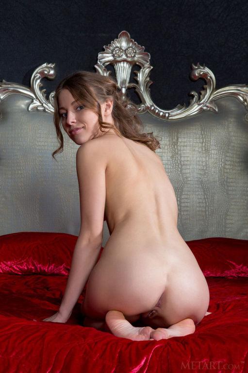 Young Russian model Nikia A set Royalty by MetArt