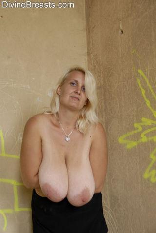 Sonja Long Boobs Blond