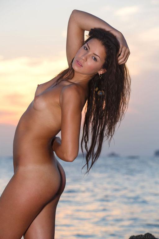Young model Gracy Taylor set Taronja by MetArt