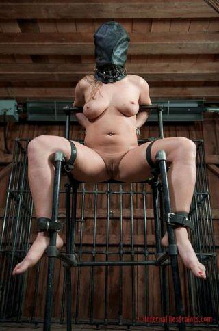 sex Dia Zerva toys -infernal restraints