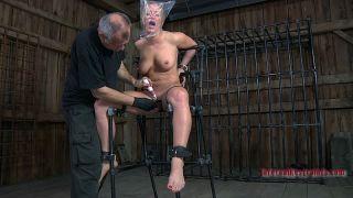 porn Dia Zerva -infernal restraints toys