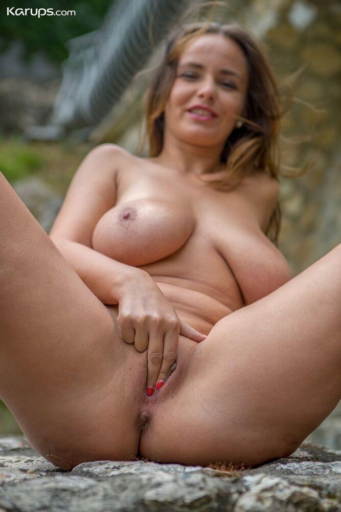 Stella jones nude