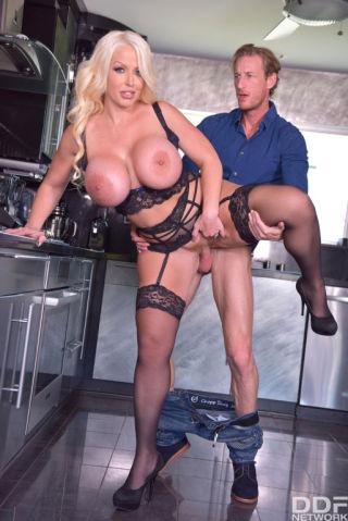 sex Alura Jenson big tits stockings