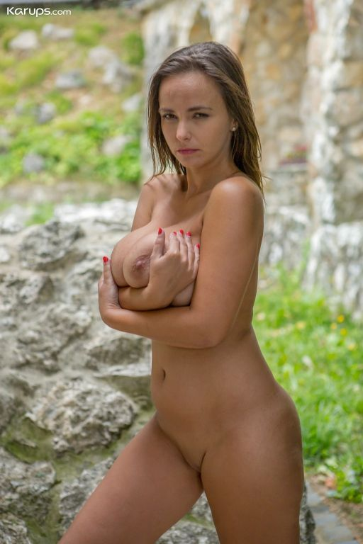 Big natural breasted MILF Stella Jones fingers her