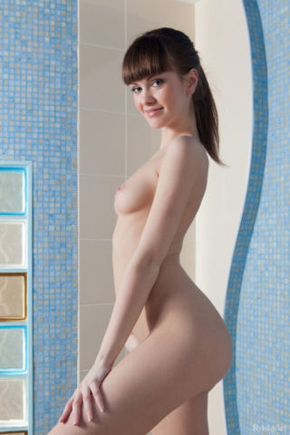 nude Candy Rose hairy pussy