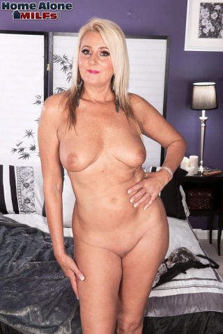 sex Dallas Matthews mature housewives