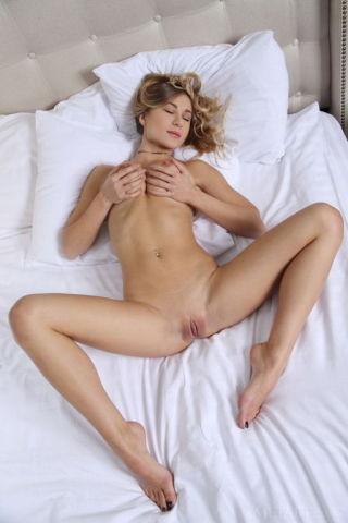 naked Candice B beautiful big tits