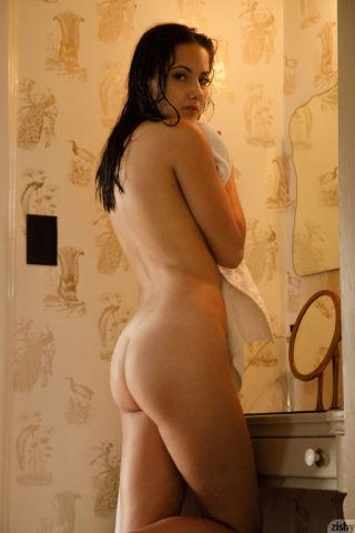 naked real tits small tits