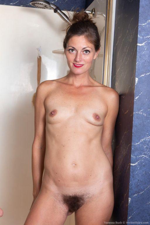 Vanessa Bush masturbates in her soapy shower