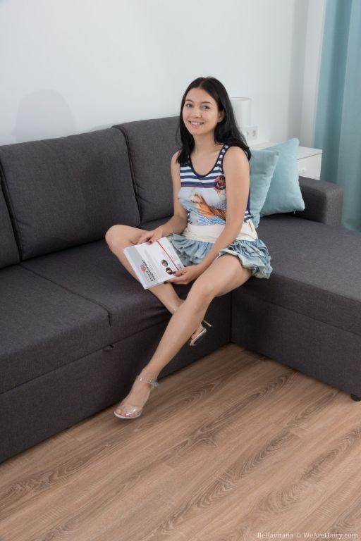 Bellavitana masturbates and has fun on her sofa