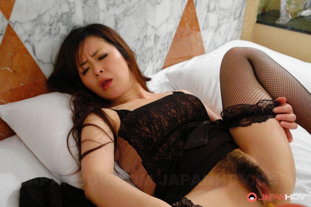 Sexy Sayaka Takase gets fingered