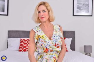 sex Molly Maracas granny -mature nl