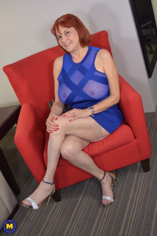 American mature Oral Angie playing with her toys