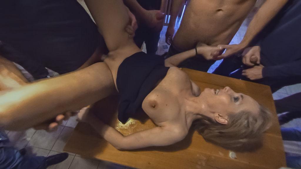 Squiritng MILFomaniac vs 30 horny guys in 180°