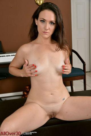 sexy Kandy Nix nice ass brunette