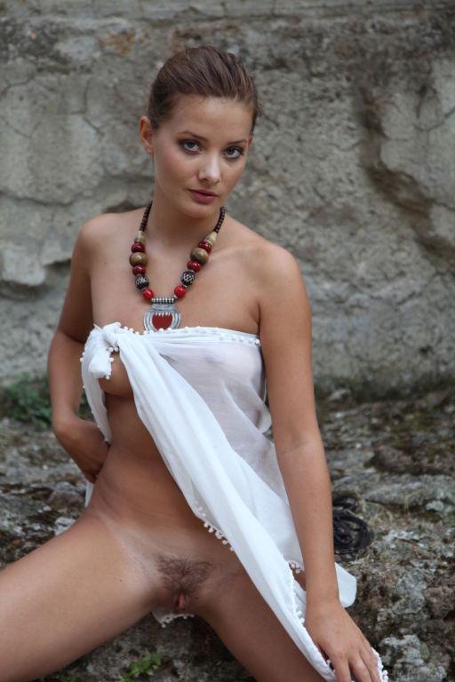 Model Edwige A set Maranthe