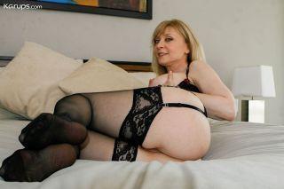 sexy Nina Hartley pornstars *nina hartley