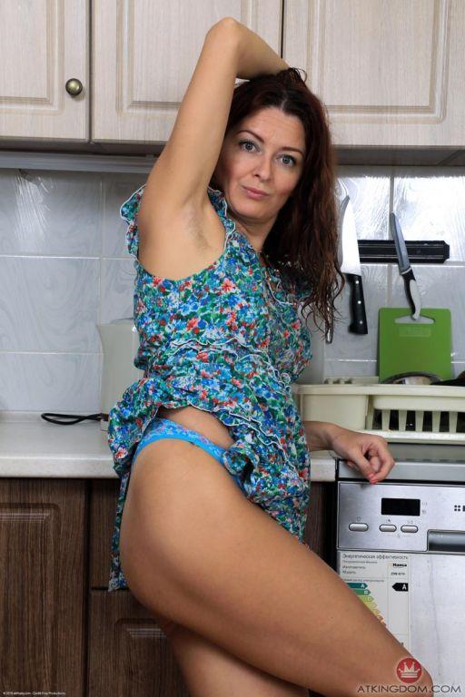 Helen Volga shows hairy Pussy