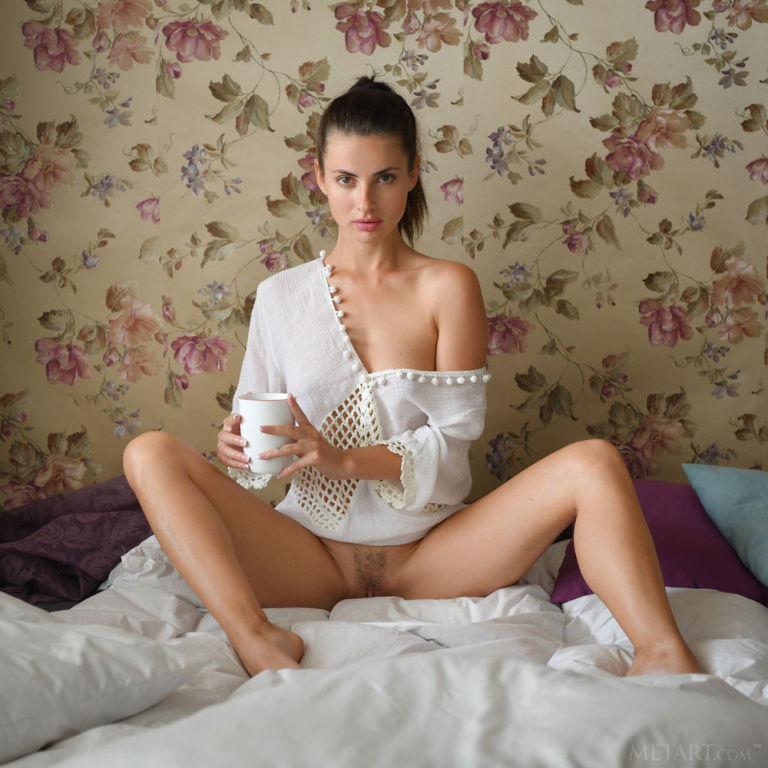 Model Jasmine Jazz set Morning Coffee
