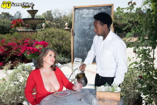 naked Kerry Martin milf wife