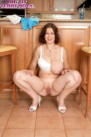 naked Terry Nova *terry nova big tits