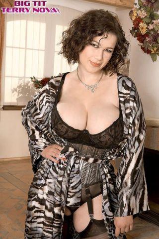 naked Terry Nova busty beautiful