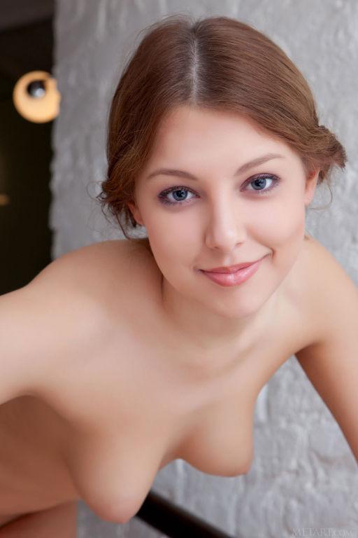 Young lady Nikia A set Dillera