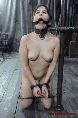 naked Marina Mae bdsm submissive
