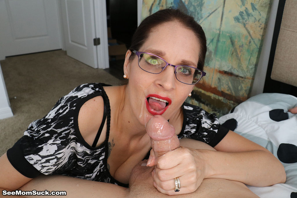 Hot milf Christine gives her stepson the daily blo