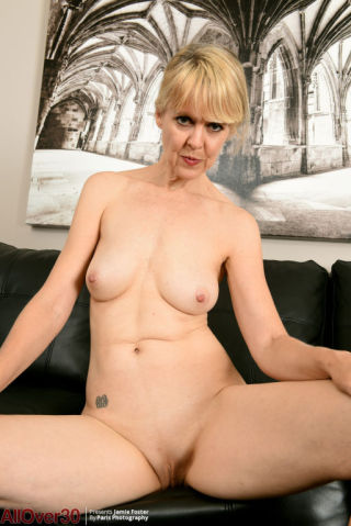 nude Jamie Foster -all over 30 mature
