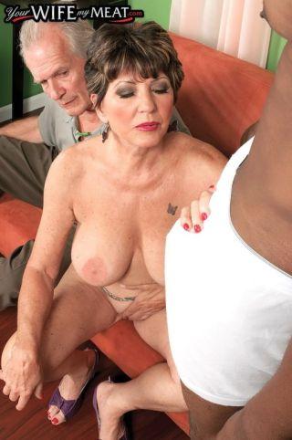 sexy Bea Cummins oral interracial