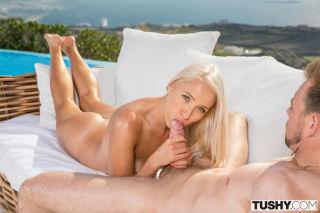 naked Angelika Grays blonde nice ass