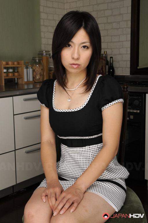Sexy Himeki Kaede shows her tits