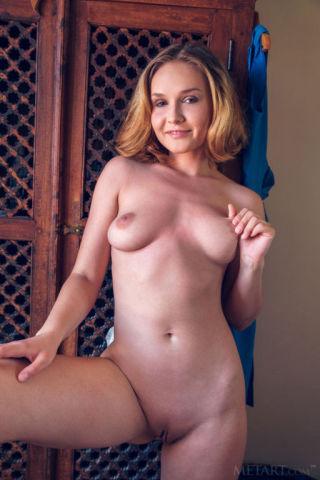 naked Lucretia K pussy beautiful