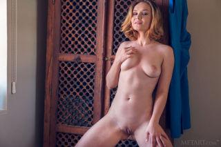 naked Lucretia K amateurs amateurs