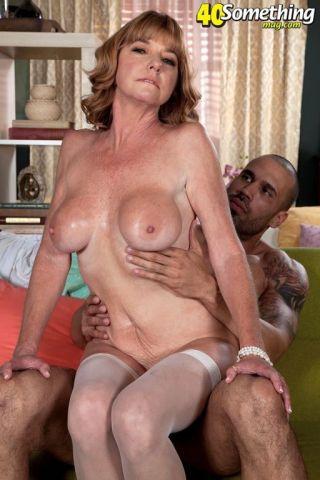 nude Dee Delmar wife mature