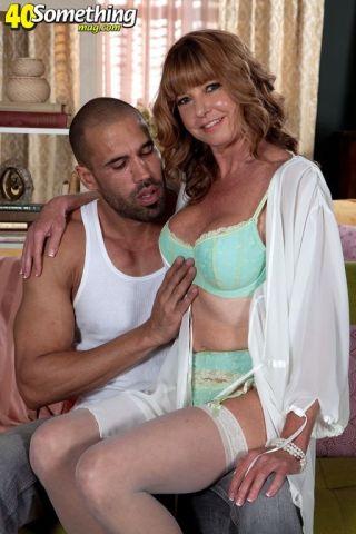 porn Carlos Rios blowjob cougar