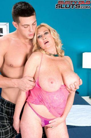 nude Tahnee Taylor -busty old sluts blowjob