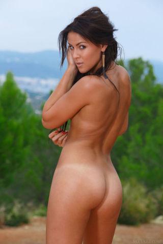 naked Gracy Taylor amateurs brunette