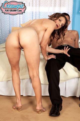 naked Tori Baker busty mature