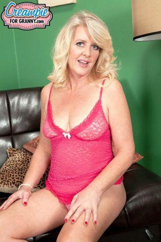 naked Kay Delynn amateurs -creampie for granny