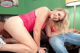 naked Kay Delynn mature amateurs