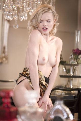 sex Mikki Galante pussy blonde