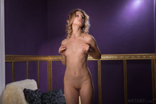 sexy Clarice   petite blonde