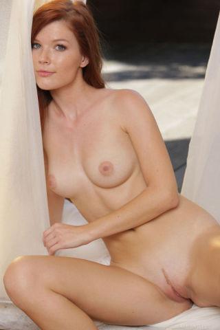 sexy Mia Sollis -met art russian