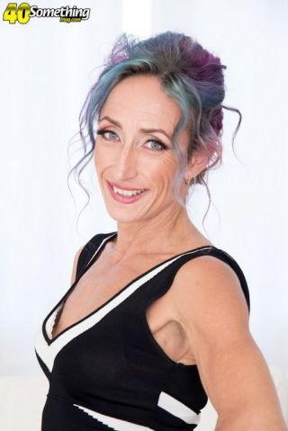 sex Sadie Sommerville wife cougar