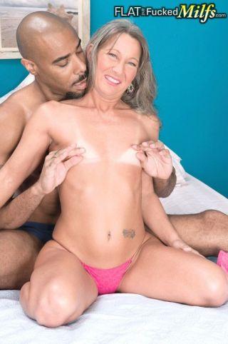 naked Leilani Lei interracial deapthroat